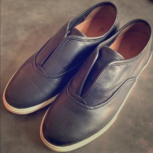 Like-new FRYE Maya CVO Slip On - 8